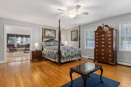 Chatham, downtown Cape Cod vacation rental - First floor Master Bedroom, ensuite, adjoining study