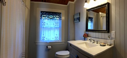 Monument Beach / Bourne Cape Cod vacation rental - The Upstairs Full-Bath.