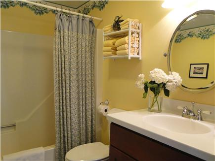 Kingston Bay/Near Plymouth MA vacation rental - First floor full bathroom with shower and tub