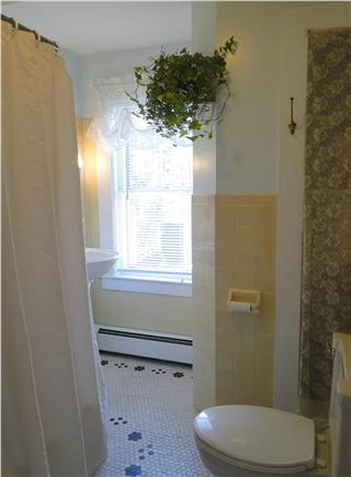 Harwich Cape Cod vacation rental - Upstairs full bathroom