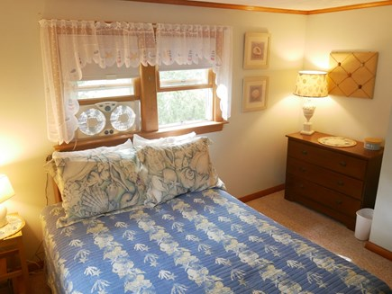 North Eastham - Bayside Cape Cod vacation rental - Blue seashell Full size bedroom