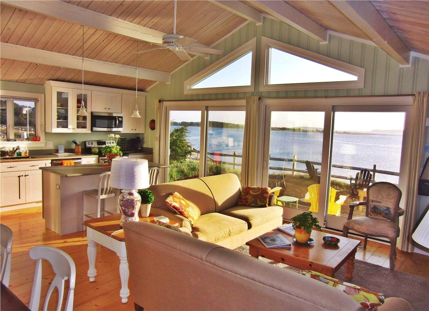 Wellfleet vacation rental home in cape cod ma 02667 25 for Cabin rentals in cape cod ma