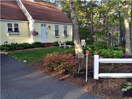 Dennis Cape Cod vacation rental - View from driveway