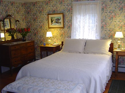 Wellfleet Center Cape Cod vacation rental - Downstairs bedroom with queen bed