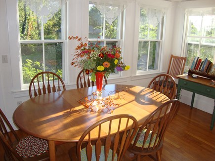 Wellfleet Center Cape Cod vacation rental - Sunny dining area seats 8