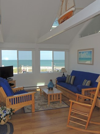 Sagamore Beach, Sandwich  Sagamore Beach vacation rental - Cathedral Ceiling Living Room w/ Nautical decor and great views!
