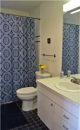 Wellfleet Harbor, on the Bluff Cape Cod vacation rental - Main floor bathroom near single bedroom.Traditional Tub/Shower