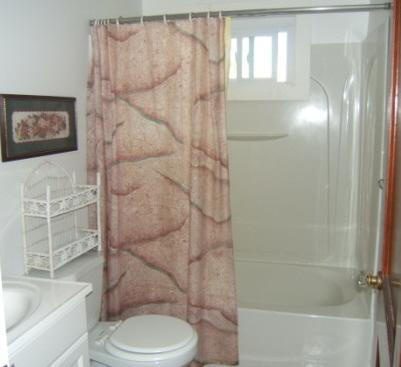 Centerville Centerville vacation rental - Bathroom with tub and shower
