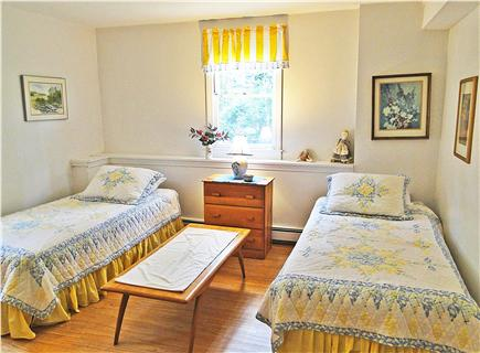 Chatham, Ridgevale Beach Cape Cod vacation rental - Twin bedroom downstairs, adjacent to bathroom