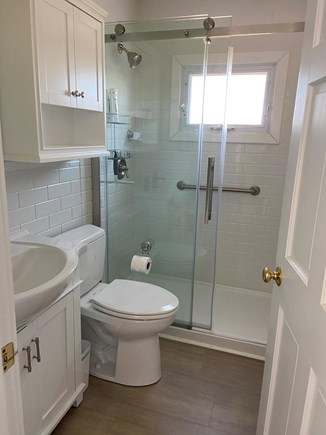Wellfleet Harbor Cape Cod vacation rental - Bathroom