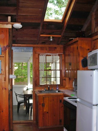 Wellfleet Cape Cod vacation rental - Cottage-kitchen