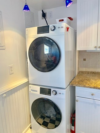 Provincetown, Next to Macmillan Wharf / BEST Cape Cod vacation rental - New Washer & Dryer.  A/C throughout too!
