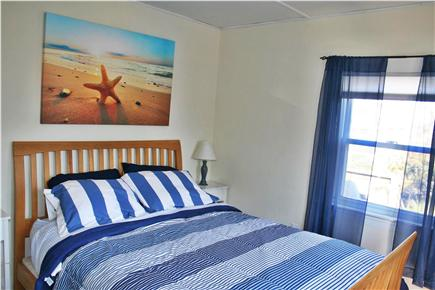 bedroom queen hinsdale house rental | Eastham Cape Cod vacation rental - First floor Bedroom ...