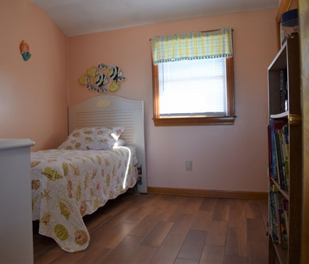 Sagamore Beach, Sandwich Cape Cod vacation rental - Bedroom 2 with twin bed
