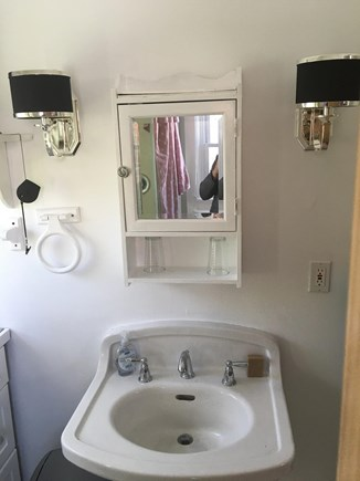 Provincetown Cape Cod vacation rental - Upstairs Bathroom