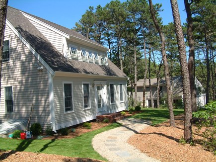 Wellfleet Cape Cod vacation rental - Entry walkway