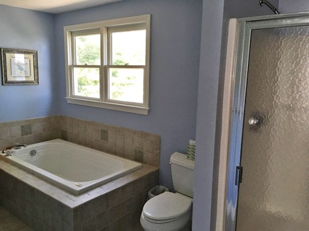 Mashpee, Popponesset Beach Cape Cod vacation rental - Full bathroom