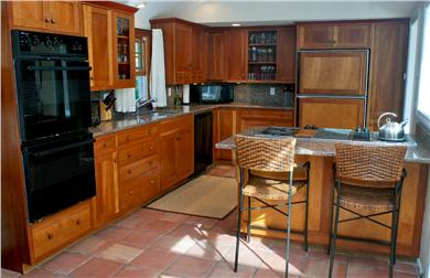 East Falmouth in the historic  Cape Cod vacation rental - Kitchen with breakfast bar