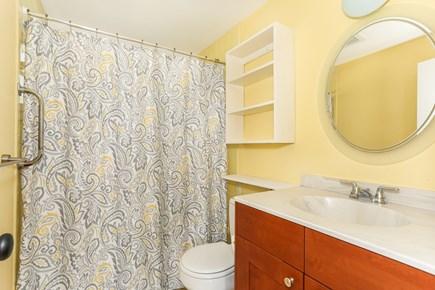 Hyannis Cape Cod vacation rental - 2nd Bath