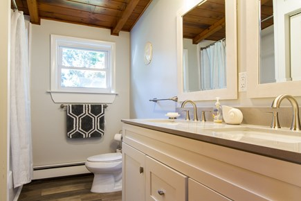 Wellfleet Cape Cod vacation rental - Bathroom (Shower Tub, Double Sink Vanity)