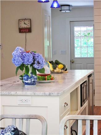 Eastham Cape Cod vacation rental - Kitchen island