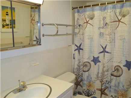 Orleans, Mayflower Point Cape Cod vacation rental - Hallway Bathroom with tub and shower
