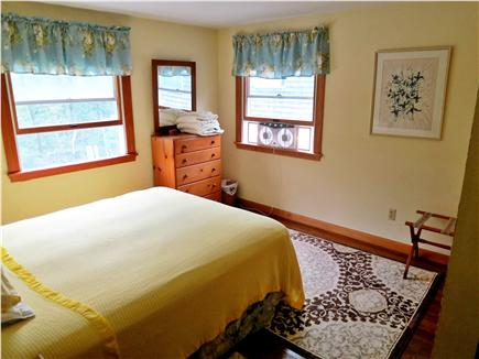 Pocasset Pocasset vacation rental - Yellow Bedroom