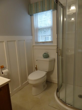 Dennis Port, Sea St Beach Area Cape Cod vacation rental - Newly renovated bath - board and batten       (shower - no tub)