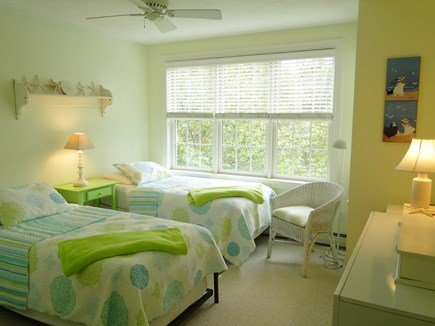 New Seabury/(Popponesset) New Seabury vacation rental - Upstairs twin bedroom