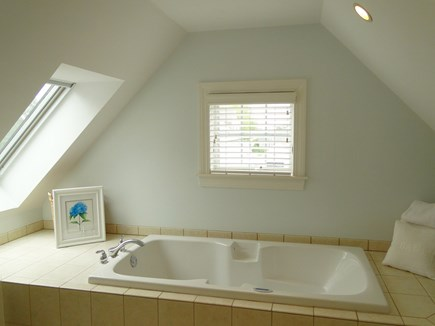 New Seabury/(Popponesset) New Seabury vacation rental - Jacuzzi tub in full master bath