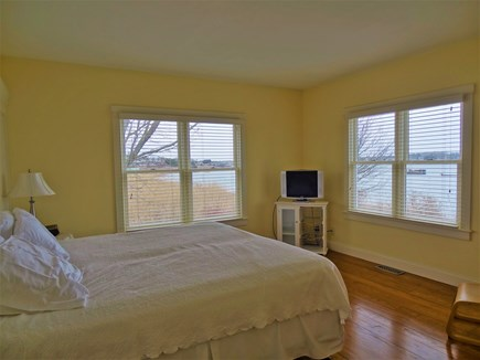 Oyster Pond/Chatham Cape Cod vacation rental - Back Bedroom - Twin XL's or King BedWith King Bed