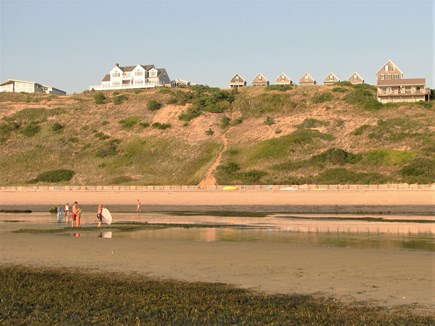 Truro - Corn Hill Cape Cod vacation rental - Looking at cottages from our beach during an extremely low tide