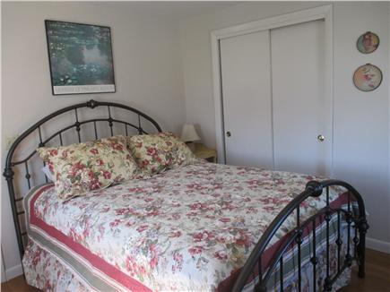 Wellfleet Cape Cod vacation rental - First Floor Queen Bedroom