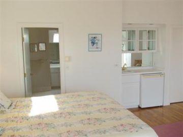 New Seabury, Mashpee New Seabury vacation rental - Master Bedroom & Bathroom with Wet Bar