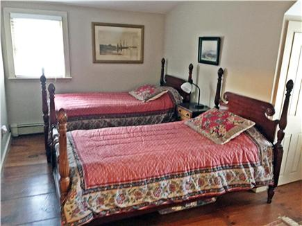 Yarmouthport historic 6A Cape Cod vacation rental - Upstairs bedroom with 2 twin beds