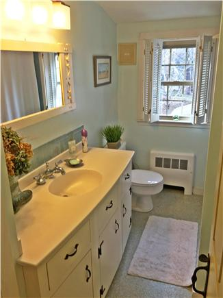 Yarmouthport historic 6A Cape Cod vacation rental - Upstairs bathroom
