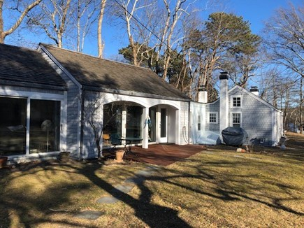 Dennis, Scargo Lake Cape Cod vacation rental - Dennis lakeside Rental ID 9530. Walk to town or salt water bay