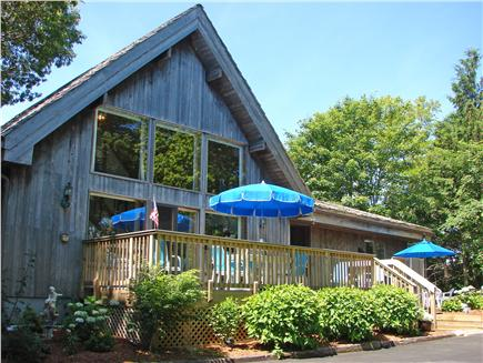Click here to see a video of this Wellfleet vacation rental.