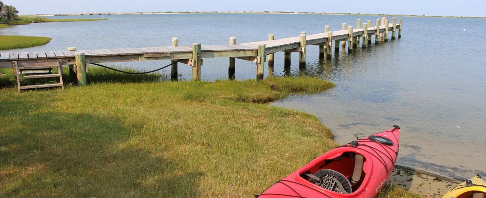 Visit the islands of Nantucket and Martha's Vineyard during the picture-perfect fall season!