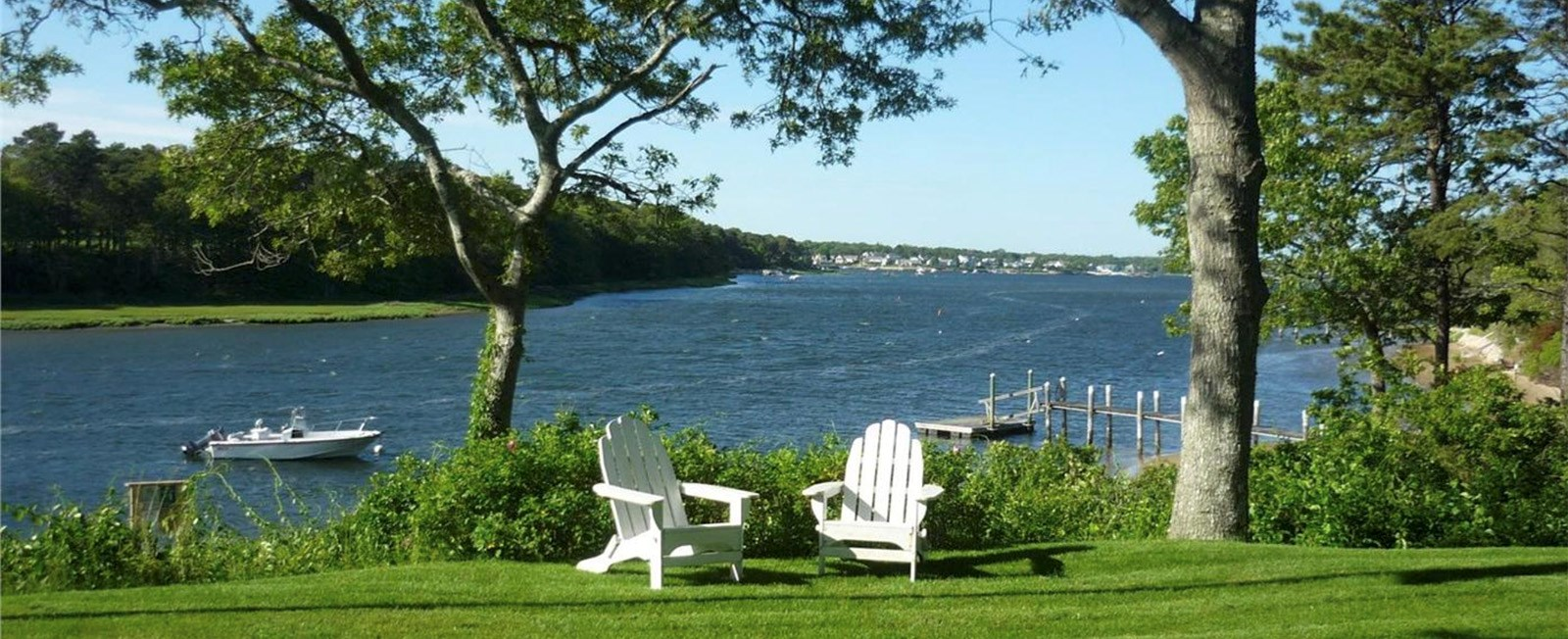 This year, surprise dad with a weekend getaway to the Cape and Islands! There is still availability—and even some great deals!