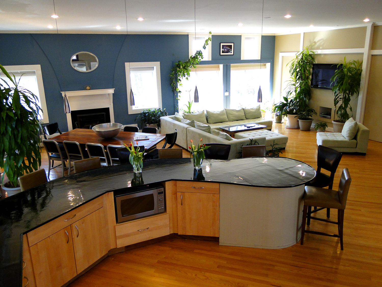 Privacy, space, budget friendly, and plenty of amenities….. Why a vacation rental is the right choice for your next vacation!