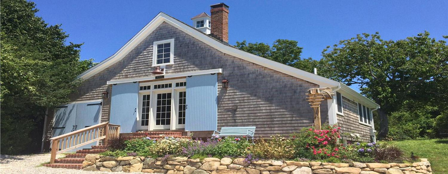 Some people want the modern amenities and contemporary decor. Some people want the Cape Cod charm. Here's a list of 6 charming and rustic vacation rental homes.