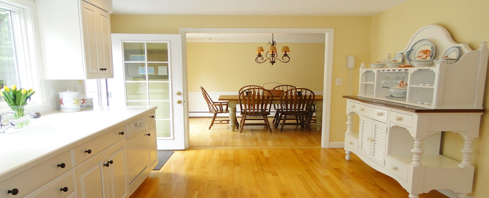 Check out these vacation rental kitchens. Some are fancy, some cozy, and some comfortable sitting areas. They all look like great spots to gather and cook up some local Cape Cod, Martha's Vineyard, and Nantucket food.