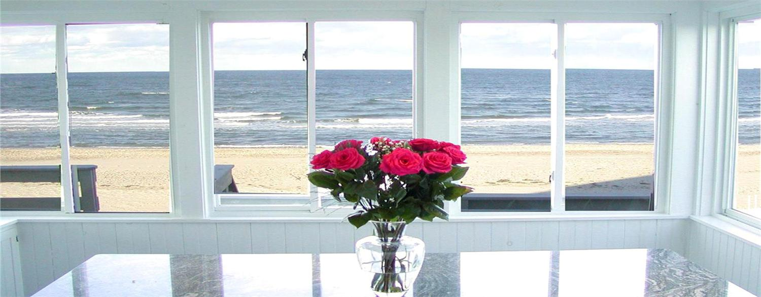 We have compiled a list of Cape Cod vacation rental houses with weekend availability that are waiting to host you and your Valentine.
