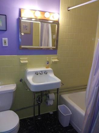 Oak Bluffs, East Chop Highlands Martha's Vineyard vacation rental - Bathroom with full sized bathtub/shower