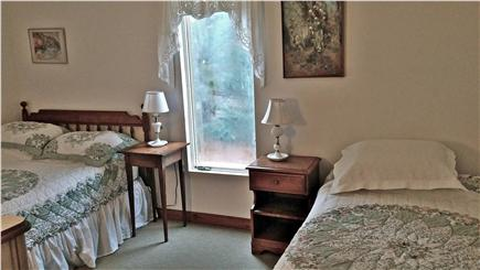 Katama - Edgartown Martha's Vineyard vacation rental - Downstairs Bedroom: 1 Double, 1 Twin