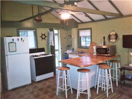 East Chop (Oak Bluffs) Martha's Vineyard vacation rental - Kitchen and breakfast bar