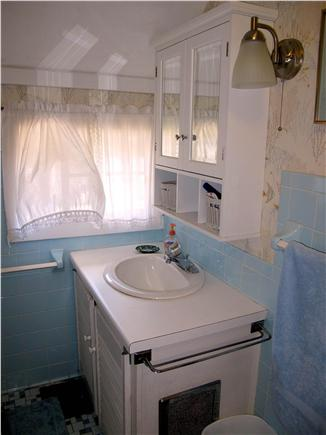 Oak Bluffs Martha's Vineyard vacation rental - Upstairs Bathroom
