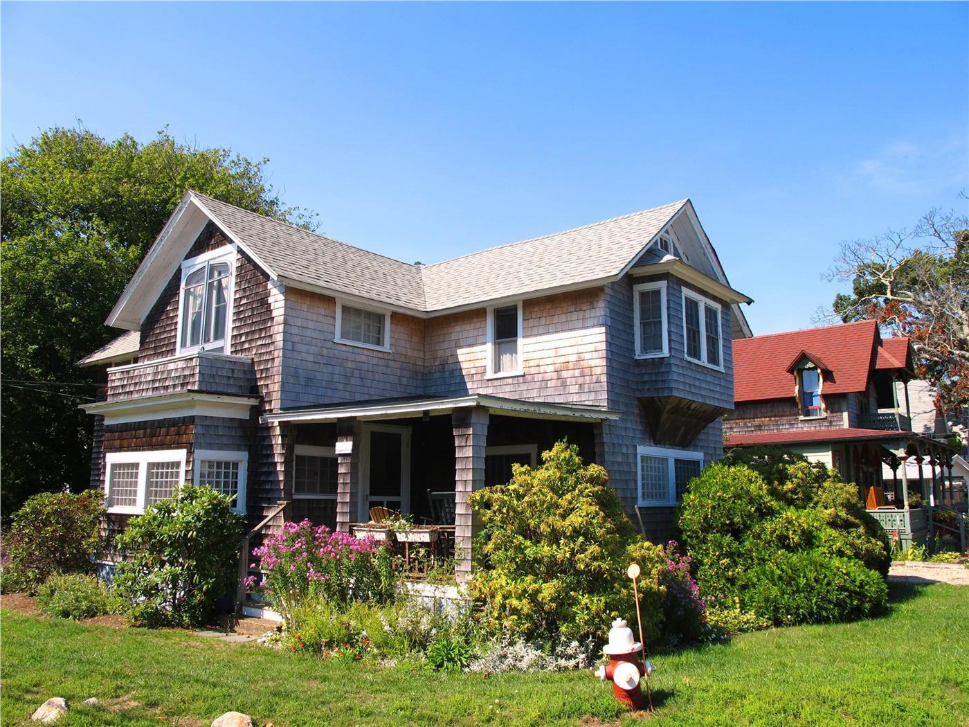 Oak Bluffs Vacation Rental Home In Martha S Vineyard Ma 02557 Two
