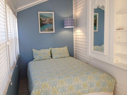 Oak Bluffs Martha's Vineyard vacation rental - Back to main floor: 6th bedroom, no stairs.